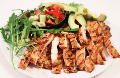 Salata - Avokado i piletina recept